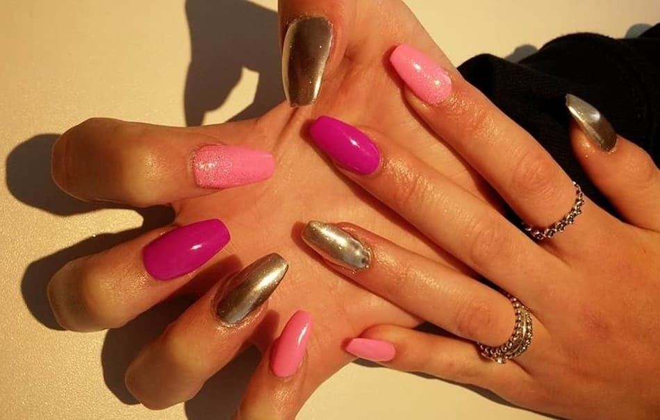 Cuticles itch after gel manicure can be stopped.